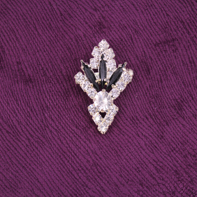 Kristal Taşlı Broş